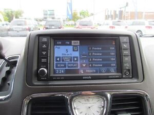 2012 Chrysler Town & Country Limited   NAV   CAM   LEATHER   ROO London Ontario image 16