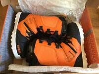 ThirtyTwo Ultra Light Snowboarding Boots and Burton Scribe Bindings