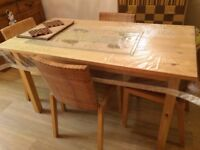 DINING TABLE & 4 CHAIRS-EXCELLENT CONDITION