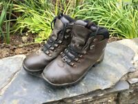 Men's walking boots size 7 Full leather uppers