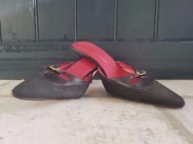 Emanuel Ungaro Black Mule Kitten Heel Pointy Size 3 / 36 Shoes Designer