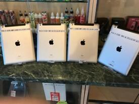 IPad 4's, 32gb, WiFi and cellular, silver, unlocked