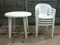 Plastic garden chairs & table incl covers