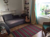 Large 1 bedroom fully furnished flat available now in lovely Sciennes /Newington area: available now