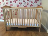 Baby's cot and mattress