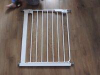 BabyDan Danamic Narrow Pressure Fit Safety Gate (63-69.5 cm)