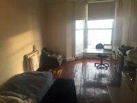 SB Lets are delighted to offer a large studio flat in Centre of Brighton on Kings road Brighton
