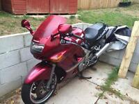 Kawasaki ZZR600- 1996- 43,000 miles- red