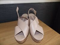 Dorothy Perkins shoes size 5