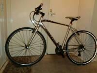 Cannondale ( quick cx) aluminium hybrid Road bike( shimano alivio)