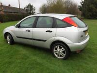 CHEAP 5 DR 1.6 FOCUS MANUAL - SERVICE HISTORY & LONG MOT - LOOKS & DRIVES SUPERB - PART EX TO CLEAR