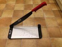 Paper & card cutting guillotine trimmer M + R Trim Cat