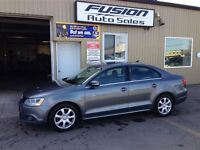 2011 Volkswagen Jetta 2.0 TDI Highline--LEATHER-SUNROOF-BLUETOOT