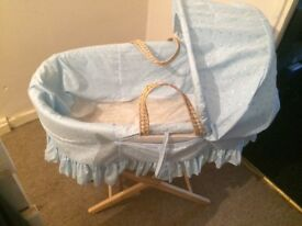 Baby bits Moses basket with stand