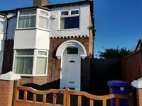Double room available in nice semi detached house with garden and parking.