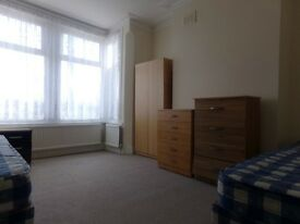 ***LARGE 5 BEDROOM HOUSE IN LEYTONSTONE, E11 (SUB-LETTERS WELCOME)***