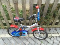 BOY'S BIKE - HALFORDS APOLLO ROCKETMAN BIKE AGED 4-6