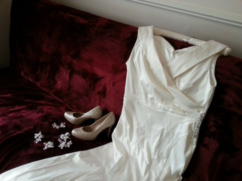 Debenhams wedding dress size 14 with hair pins and shoes size 6.5 to ...