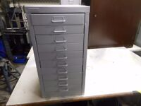 10 long drawer metal heavy duty tool cabinet. in excellent condition