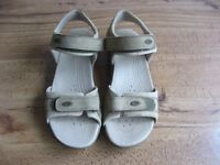 Clarkes Ladies Active Air Walking Sandals Size 5 1/2