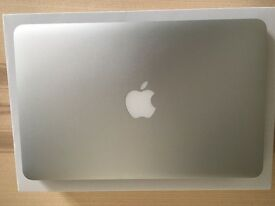 "Apple MacBook Air 11"" 2015 1.6ghz 8GB Ram 128gb SSD In Brand New Condition"