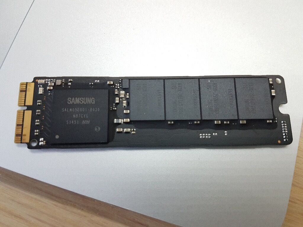 """Apple Macbook Pro SSD 256 GB (original) MZ JPU256T/0A6 (fits Macbook Retina/Air/ 2013 15in York, North YorkshireGumtree - Apple Macbook Pro SSD 256 GB (original) MZ JPU256T/0A6 Also fits Macbook Retina/Air/ 2013 15 Upgraded my SSD in my MacBook ProRetina 13"""" so am selling this 256 gb Original Samsung one (100% working) Selling on eBay for £200 Collection York"""