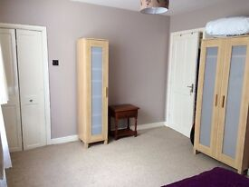 2 spacious, double bedrooms available in Westhoughton