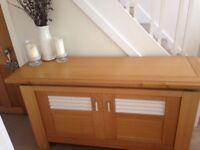Beautiful Sideboard/2 door unit