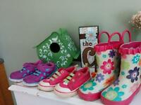 Girls shoes size 5&7 ($5 for all)