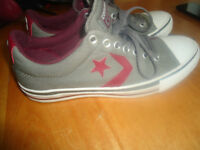 Converse grey/red size 7