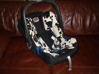 "Britax Popular ""Cowmooflage"" Car Seats and Isofix bases x2"