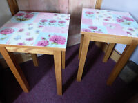 SUPER STUNNING VINTAGE STYLE FLOWER DESIGN SIDE/COFFEE BEDROOM TABLES UNQIUE ONE OFF
