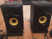 KRK Rokit 5 (Pair) with cables and isolation pads