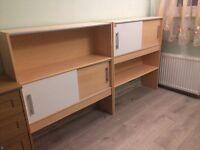 2x standing shelfs