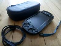 PS VITA original oled + 16gb + 8gb memory cards + Case + 8 games included!!