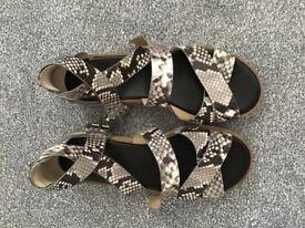Michael Kors shoes / sandals grey & cream size 6.5