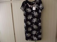 Size 10 Sophie Gray Shift Dress with Short Sleeve - Black with White Rose Pattern - Brand New + tags