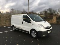 2007 2.5 146BHP WHITE VAUXHALL VIVARO 6 SPEED MANUAL DONE 140k MILES NEW MOT LIKE TRAFIC PRIMASTAR