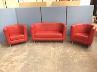 DESIGNER RED LEATHER 3 PIECE SUITE 2 SEATER SOFA & 2 X ARMCHAIRS, TUB, OFFICE