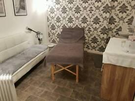 Salon room to rent