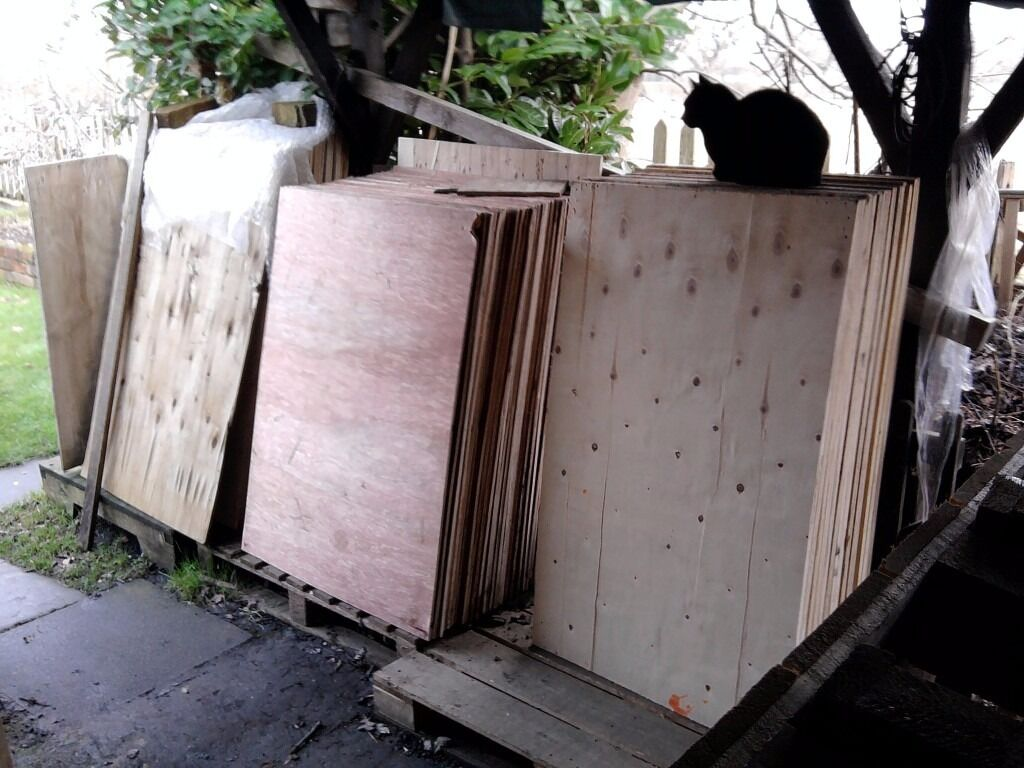 PLYWOOD SHEETS (CHEAP OFFCUTS) AND FLOORING