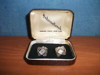 VINTAGE INTERNATIONAL CUFFLINKS, BOXED