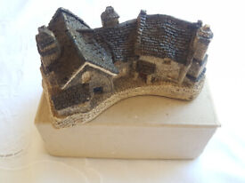 Cornish Cottage collectable ornament by David Winter