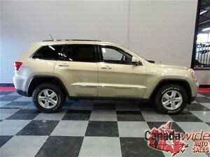 2011 Jeep Grand Cherokee /AWD/EASY FINANCING/DRIVE HOME TODAY!!