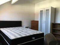 Double bedroom in 4 bed apartment - Central Headingley