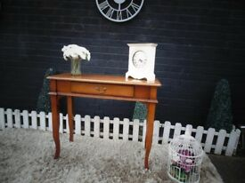 STUNNING MAHOGANY CONSOLE TABLE WITH 1 DRAW VERY SOLID TABLE AND IT'S IN EXCELLENT CONDITION