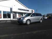 2014 Chrysler Town & Country TOURING! STO 'N GO! REAR AIR!