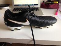 nearly new Nike UK 11.5 (EUR 47) Football shoes