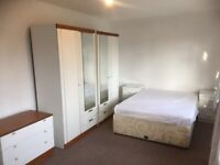 Beautiful Double Room to Rent in Crown Road, Sutton SM1