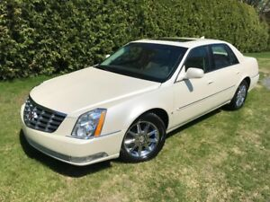 2010 Cadillac DTS LUXURY, IMPECCABLE, TOIT OUVRANT !!!!